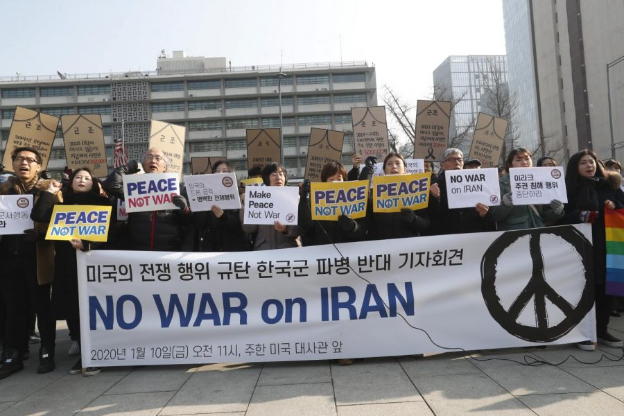 Protestors+advocate+for+a+peaceful+alternative+to+war+in+Iran.+